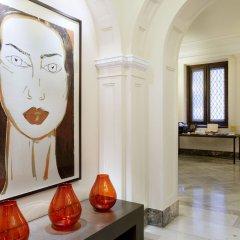 Отель H10 Villa de la Reina Boutique Hotel Испания, Мадрид - отзывы, цены и фото номеров - забронировать отель H10 Villa de la Reina Boutique Hotel онлайн спа