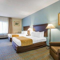 Отель Comfort Suites Tulare комната для гостей фото 3
