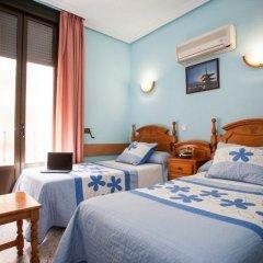 Отель Hostal Bermejo Испания, Мадрид - отзывы, цены и фото номеров - забронировать отель Hostal Bermejo онлайн комната для гостей фото 3
