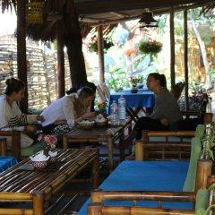 Отель Under the coconut tree бассейн