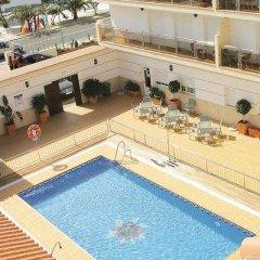 Отель Loto Conil Apartamentos Испания, Кониль-де-ла-Фронтера - отзывы, цены и фото номеров - забронировать отель Loto Conil Apartamentos онлайн бассейн фото 2