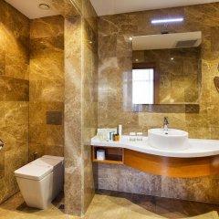Hilton Garden Inn Kocaeli Sekerpinar Турция, Стамбул - отзывы, цены и фото номеров - забронировать отель Hilton Garden Inn Kocaeli Sekerpinar онлайн ванная фото 2