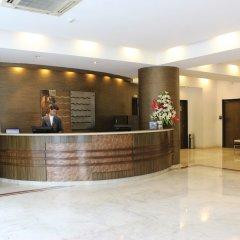 The Hans Hotel New Delhi интерьер отеля