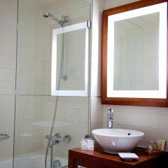 Отель Hôtel Westside Arc de Triomphe ванная фото 2