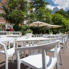 Отель Ayre Gran Hotel Colon Испания, Мадрид - 1 отзыв об отеле, цены и фото номеров - забронировать отель Ayre Gran Hotel Colon онлайн бассейн фото 2