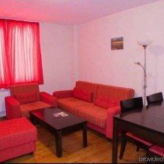 Апартаменты Mountview Lodge Apartments Банско комната для гостей фото 2