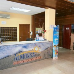 Отель Aparthotel Almonsa Platja Испания, Салоу - 6 отзывов об отеле, цены и фото номеров - забронировать отель Aparthotel Almonsa Platja онлайн интерьер отеля