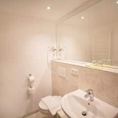das kleine Hotel in München ванная фото 2