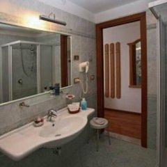 Hotel Posta Форни-ди-Сопра ванная