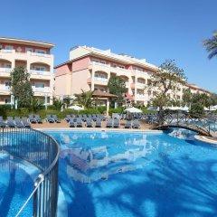 Отель VIVA Blue & Spa бассейн