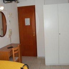 Отель Grazia Риччоне удобства в номере фото 2