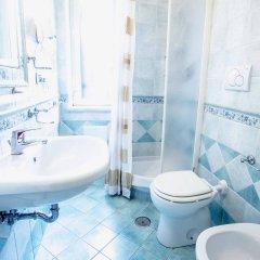 Отель La Margherita - Villa Giuseppina Италия, Скала - отзывы, цены и фото номеров - забронировать отель La Margherita - Villa Giuseppina онлайн ванная