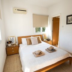 Отель Konnos Beach Villa No 5 комната для гостей фото 2