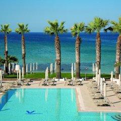 Отель Vrissiana Beach Hotel Кипр, Протарас - 1 отзыв об отеле, цены и фото номеров - забронировать отель Vrissiana Beach Hotel онлайн бассейн фото 4