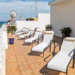 Отель Bajondillo Beach Cozy Inns - Adults Only бассейн