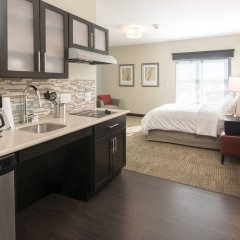 Отель Staybridge Suites Saskatoon - University в номере