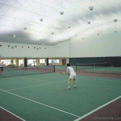 Regal International East Asia Hotel спортивное сооружение