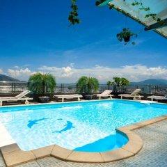 The Summer Hotel бассейн