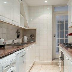 Отель The Kensington Palace Mews - Bright & Modern 6bdr House With Garage Лондон в номере фото 2