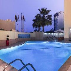 Movenpick Hotel Doha бассейн