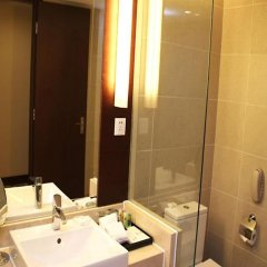 Отель Ramada by Wyndham Beijing Airport ванная