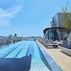 Отель Chezzotel Pattaya Паттайя бассейн