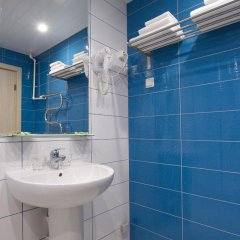 Гостиница Репинская 3* Стандартный номер с двуспальной кроватью фото 2