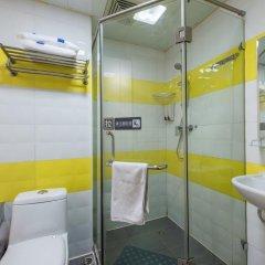 Отель 7 Days Inn Beijing Beihai Park Branch Китай, Пекин - отзывы, цены и фото номеров - забронировать отель 7 Days Inn Beijing Beihai Park Branch онлайн ванная фото 2