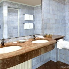 Goldener Hirsch, A Luxury Collection Hotel Зальцбург ванная фото 2