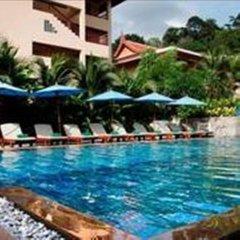 Отель Baan Yuree Resort and Spa бассейн