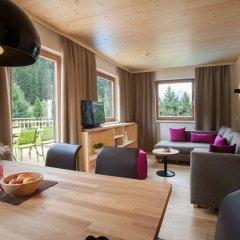 Отель Hells Ferienresort Zillertal Австрия, Фюген - отзывы, цены и фото номеров - забронировать отель Hells Ferienresort Zillertal онлайн комната для гостей фото 4