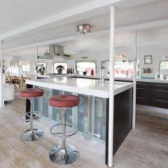Отель Copenhagen Houseboat гостиничный бар