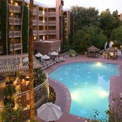 Отель Radisson Suites Tucson с домашними животными