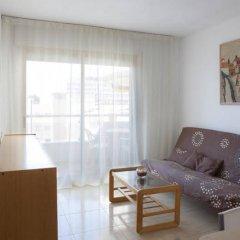 Отель Suite Apartments Arquus Испания, Салоу - отзывы, цены и фото номеров - забронировать отель Suite Apartments Arquus онлайн комната для гостей фото 2