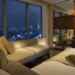 Отель The Strings By Intercontinental Tokyo Токио комната для гостей фото 4
