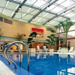 Hongqiao Jin Jiang Hotel (Formerly Sheraton Shanghai Hongqiao Hotel) бассейн фото 2
