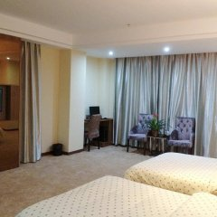 Heyuan Business Hotel комната для гостей