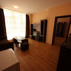 Апартаменты Menada Luxor Apartments комната для гостей фото 4