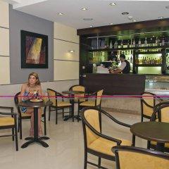 Coral Hotel гостиничный бар