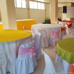 Отель La Chari'ca Inn Филиппины, Пуэрто-Принцеса - отзывы, цены и фото номеров - забронировать отель La Chari'ca Inn онлайн помещение для мероприятий