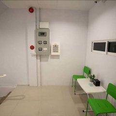 Ink 18/2 Hostel (Sukhumvit 22) Бангкок комната для гостей фото 3