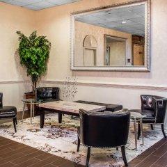 Clarion Hotel Conference Center Эссингтон интерьер отеля