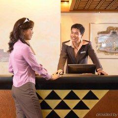 Отель Pullman Khon Kaen Raja Orchid Таиланд, Кхонкэн - отзывы, цены и фото номеров - забронировать отель Pullman Khon Kaen Raja Orchid онлайн гостиничный бар