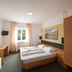 Hotel Sigmundskron Аппиано-сулла-Страда-дель-Вино комната для гостей фото 4
