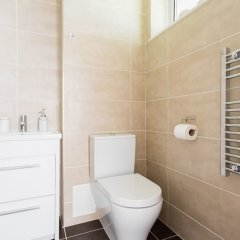 Апартаменты Platinum Apartments Next to Warren Street 9987 ванная