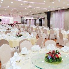 Отель The Salisbury - YMCA of Hong Kong