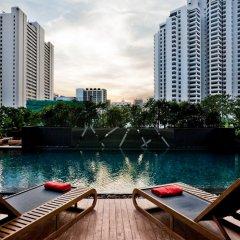 Отель Fraser Suites Sukhumvit, Bangkok Таиланд, Бангкок - отзывы, цены и фото номеров - забронировать отель Fraser Suites Sukhumvit, Bangkok онлайн бассейн фото 3