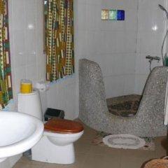 Отель Accra Lodge Тема ванная фото 2