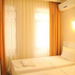 Отель Hot Residence Taksim Square Стамбул комната для гостей фото 5