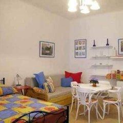 Отель Prague's Rainbow Guest House комната для гостей